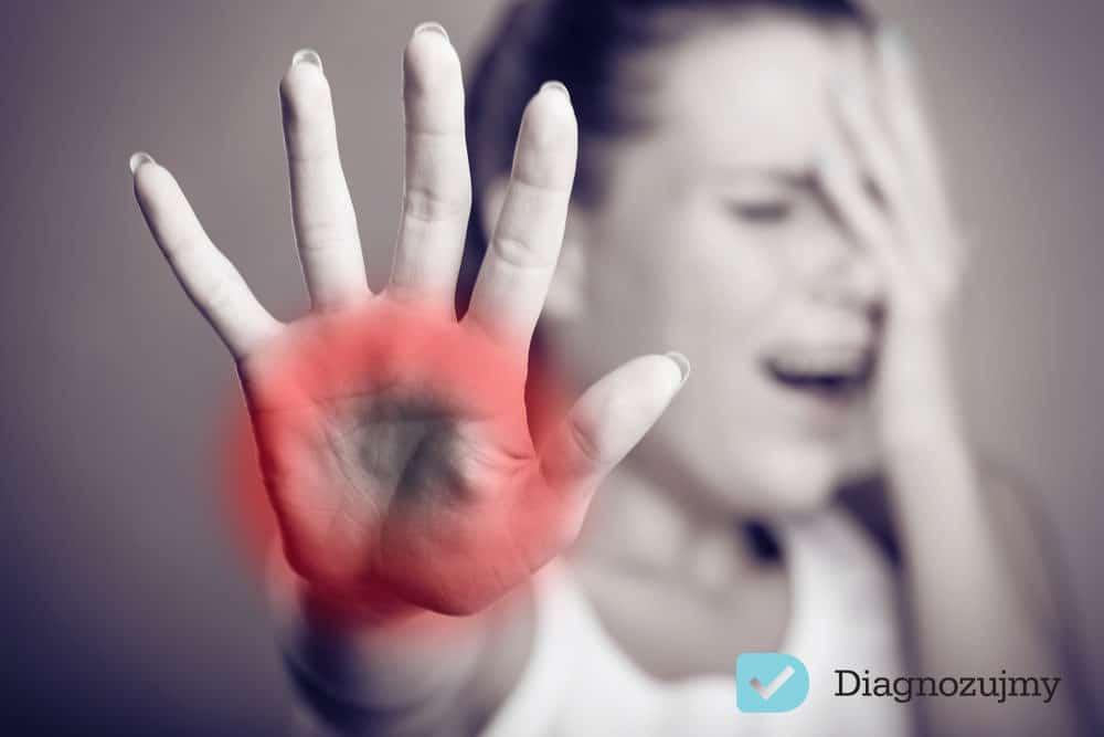 Miewasz częste bóle głowy, mięśni, drętwienie rąk, bóle klatki piersiowej, bezsenność i stany lękowe? Możesz chorować na tężyczkę