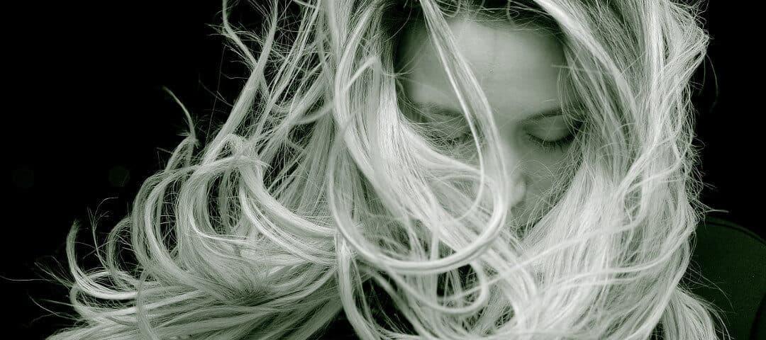 Domowe sposoby na mocne i zdrowe włosy