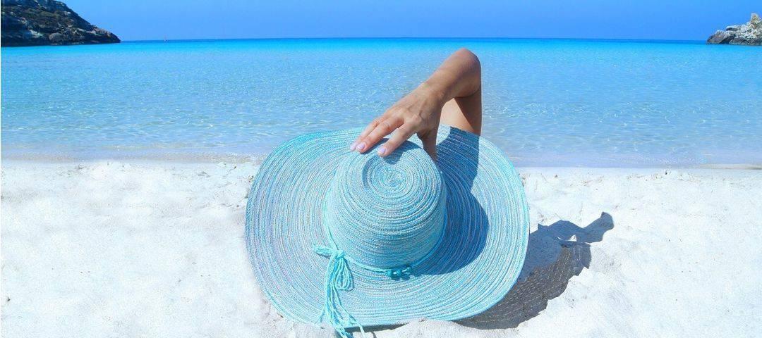 Poparzenia słoneczne – 3 stopnie, przyczyny, jak się przed nimi chronić