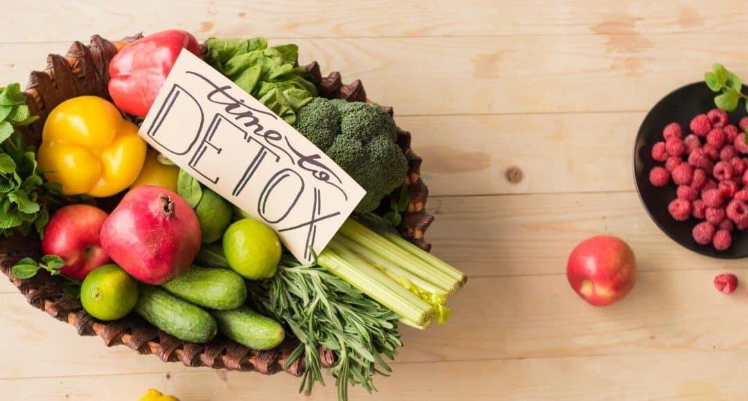 Szybka dieta oczyszczająca. Czy jakaś jest skuteczna i czy warto je stosować?