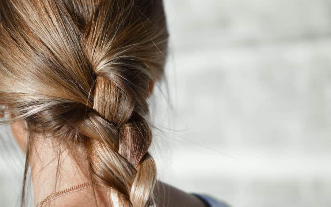 Trycholog – pomoc w walce o włosy