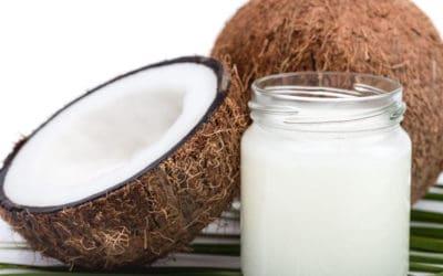 Olej kokosowy – zwalcza infekcje w jamie ustnej