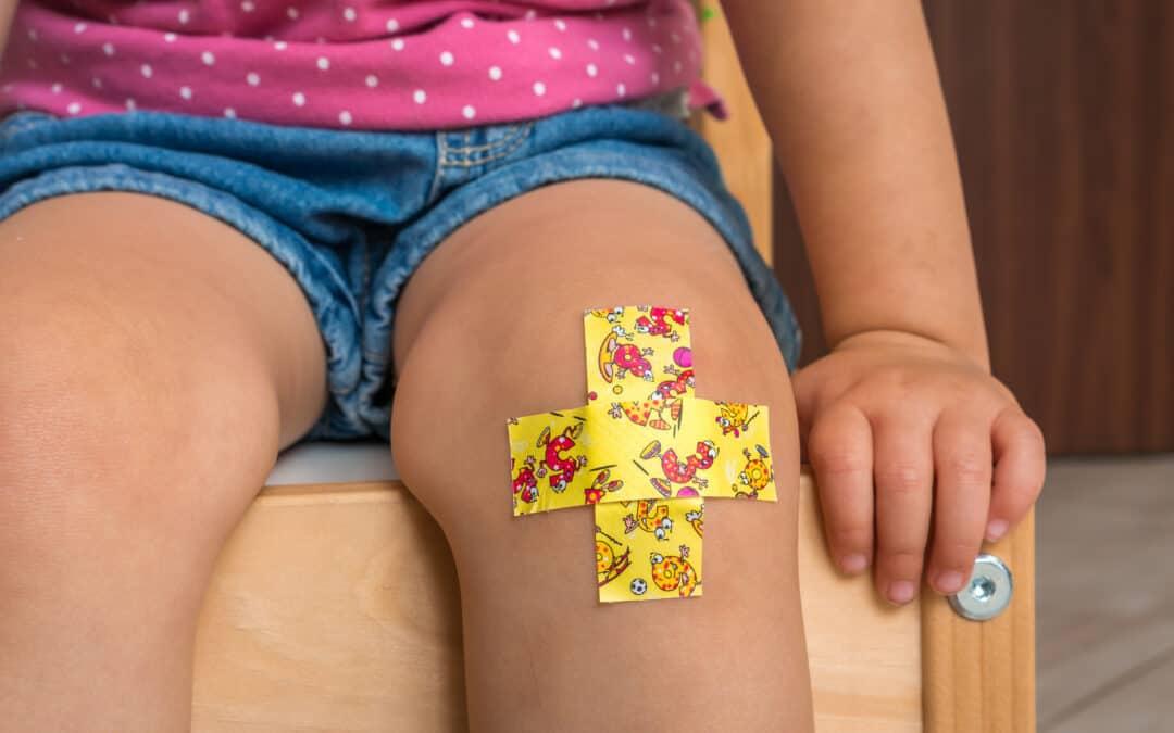 Jak skóra dziecka reaguje na drobne urazy?
