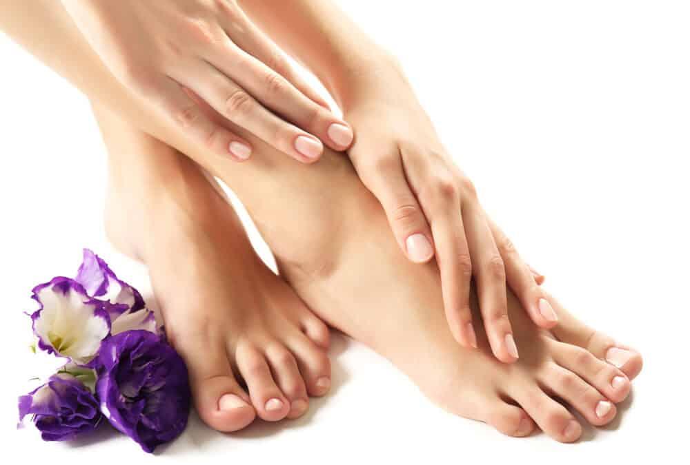 Piękne stopy? Potrzebujesz czegoś więcej niż lakieru do paznokci!