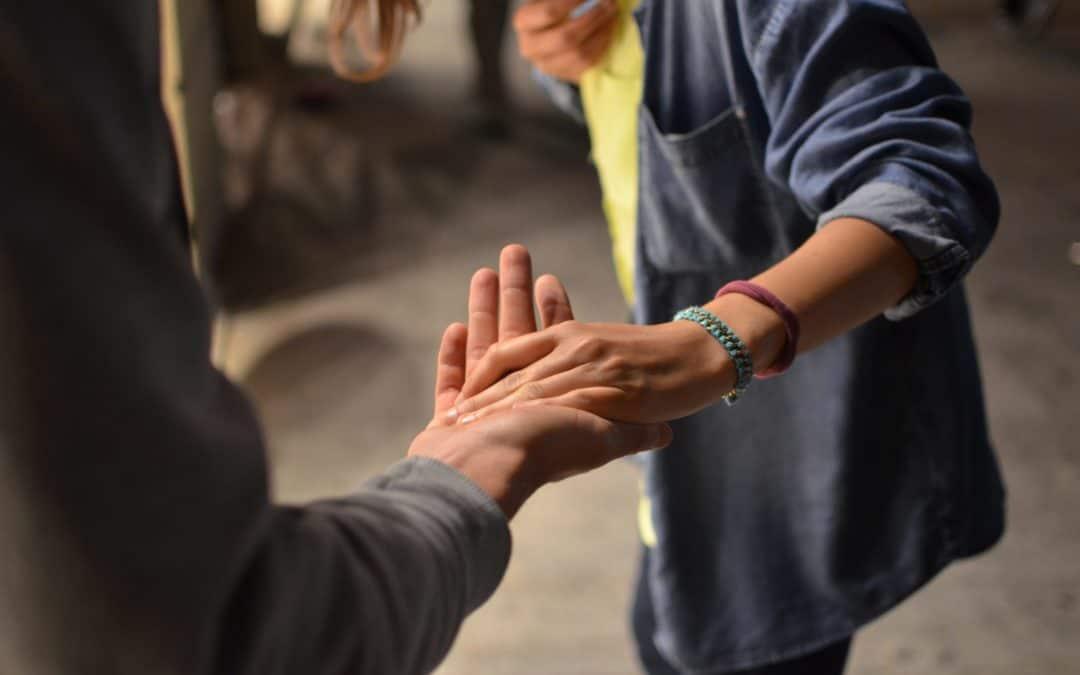 Jak dbać o dłonie, by wciąż wyglądały młodo